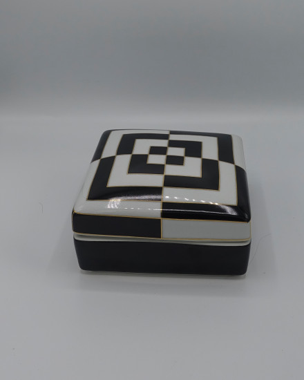 SQ BOX BLACK/WHITE PORCELAIN 17x17xh