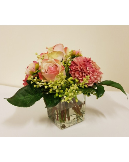 DAHLRSE.SQR Pink dahlias and roses in glass cube